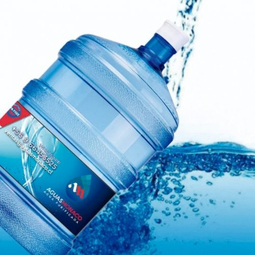 Bidon con agua